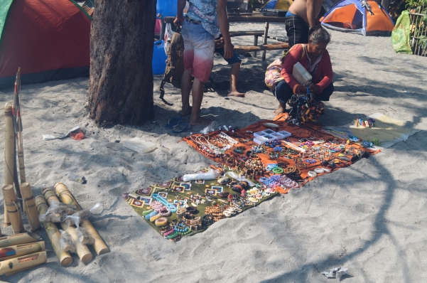 Souvenir vendors at the Cove. They sell lots of stuffs that worth it's price, like pearls and leather wallets.